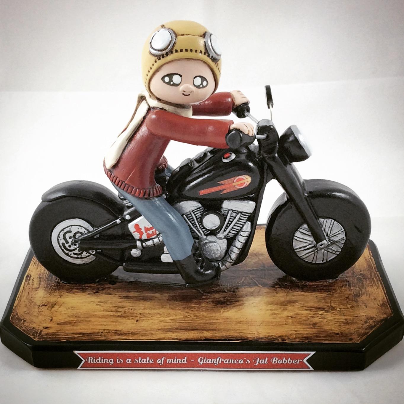 Motocicletta in ceramica